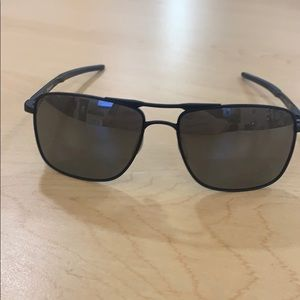 Brand new Oakley gauge 6 sunglasses